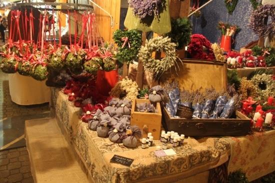 Spennende shopping på julemarked