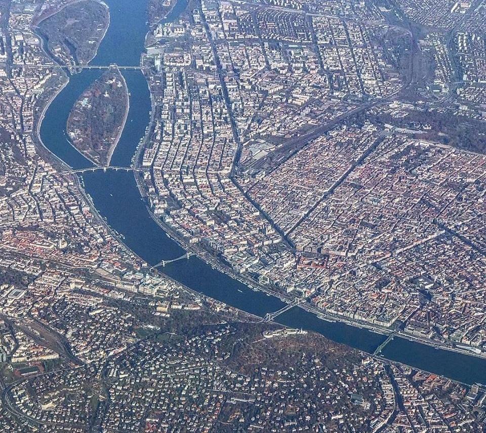 Slik kan Budapest se ut før landing i Budapest